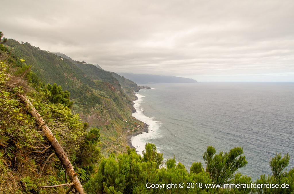 Blick auf Madeira Nordküste von Rocha de Baixo